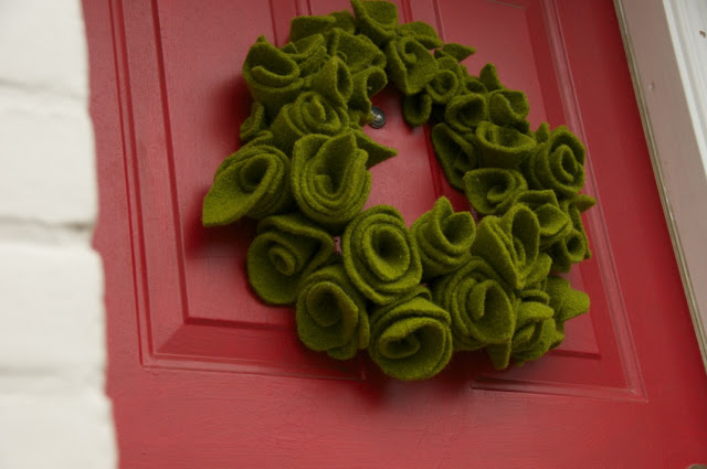 How to: Recycled Wool Felt Christmas Wreath