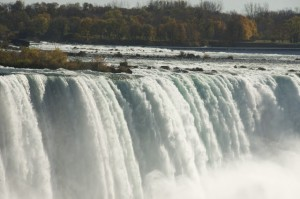 A Weekend Escape to Niagara Falls, The Good Earth and a Really Nice Hat