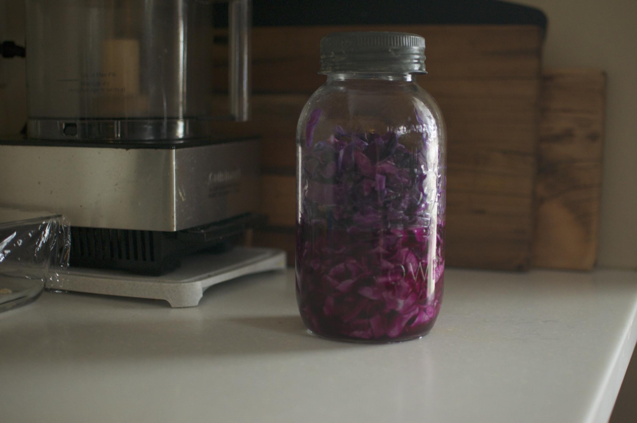 how to make homemade sauerkraut in a mason jar