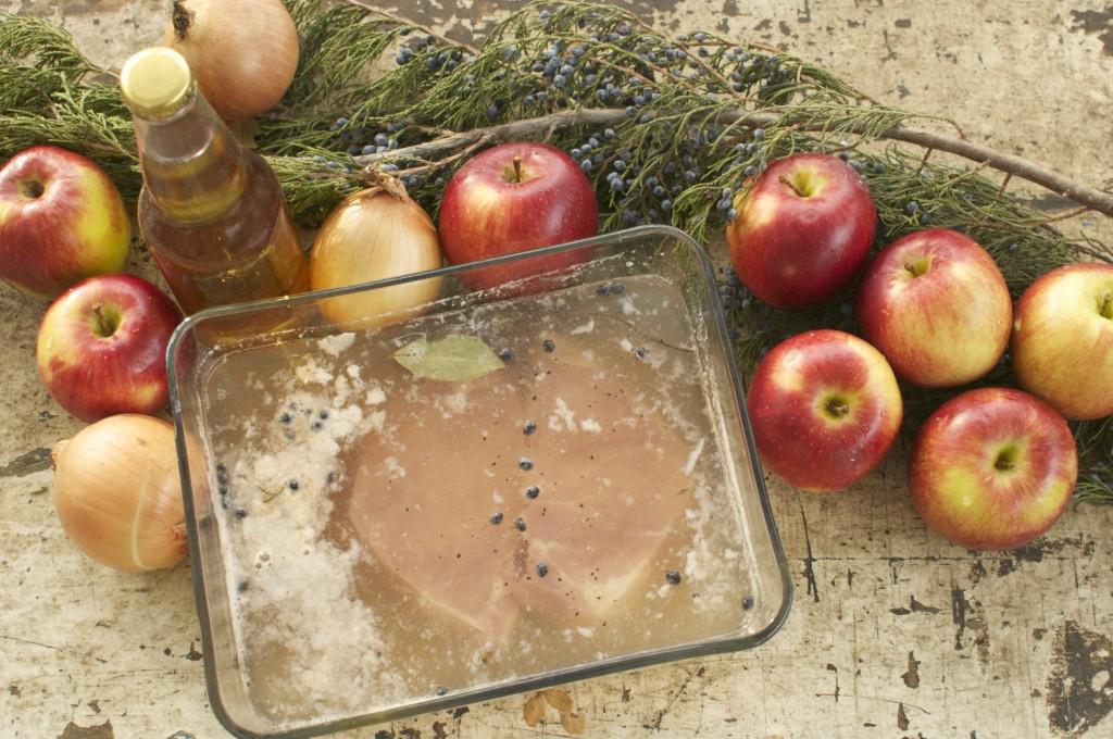 Brining pork in apple cider www.cubitsorganics.com