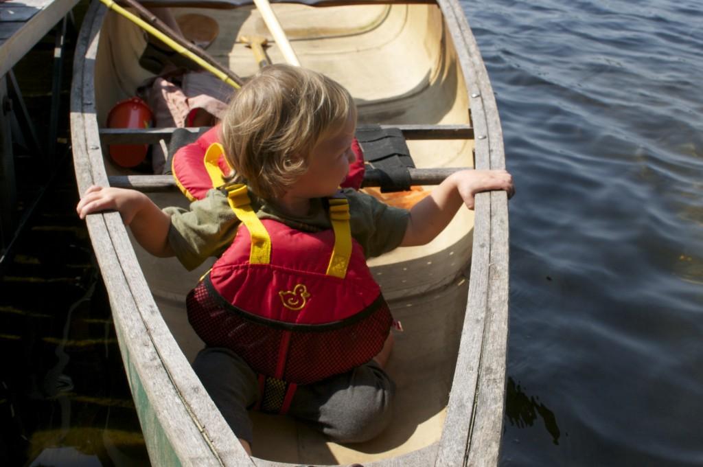 07.08.2014 Toddler in Canoe www.cubitsseedco.com